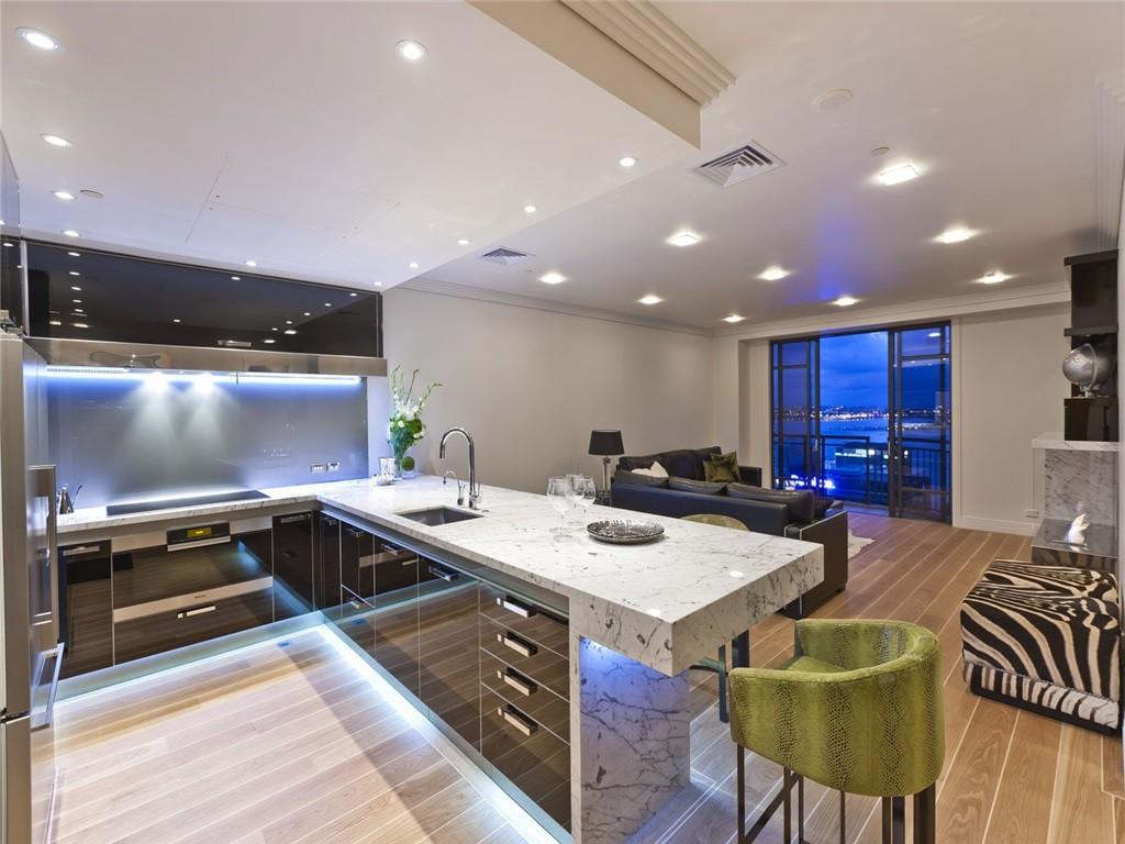 bucătărie modernă mare