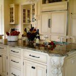 design al unui set mare de bucătărie alb