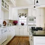 design mare de bucătărie în alb