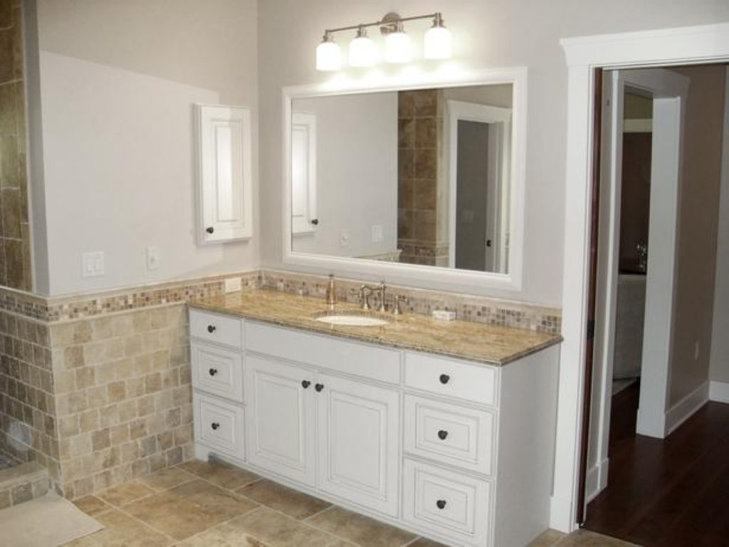 Salle de bain blanc minimalisme beige