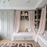 Concevoir une chambre d'enfants pour deux enfants classiques de sexe différent