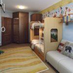 Conception d'une chambre d'enfant pour deux enfants hétérosexuels lit combiné sur deux niveaux