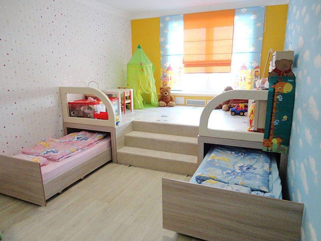 Conception d'une chambre d'enfant pour deux enfants hétérosexuels transformant des lits