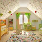 Conception d'une chambre d'enfant pour deux enfants hétérosexuels dans le grenier