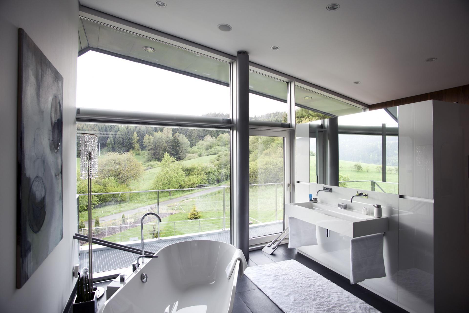 Conception de salle de bain haute technologie