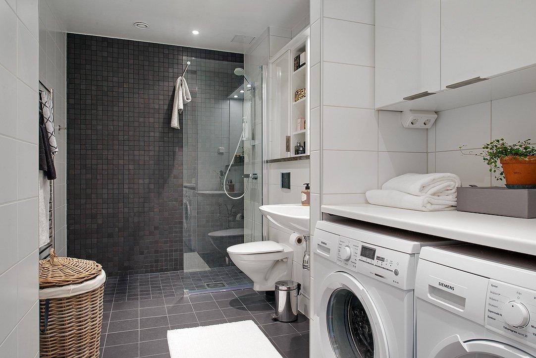 Conception de salle de bain dans une grande maison privée