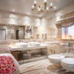 Conception de salle de bain en marbre dans une maison privée