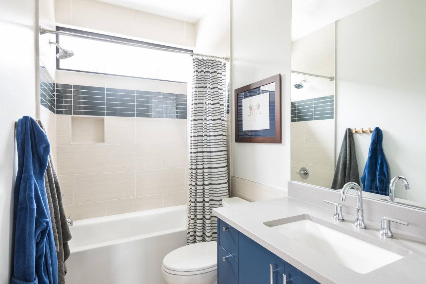 conception de salle de bain avec toilettes photo