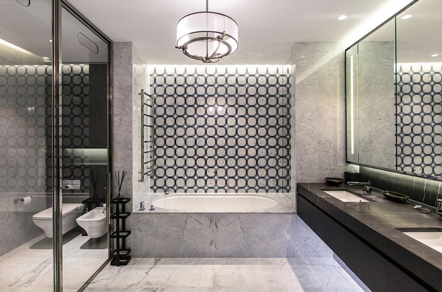 conception de salle de bain avec des motifs géométriques de toilettes