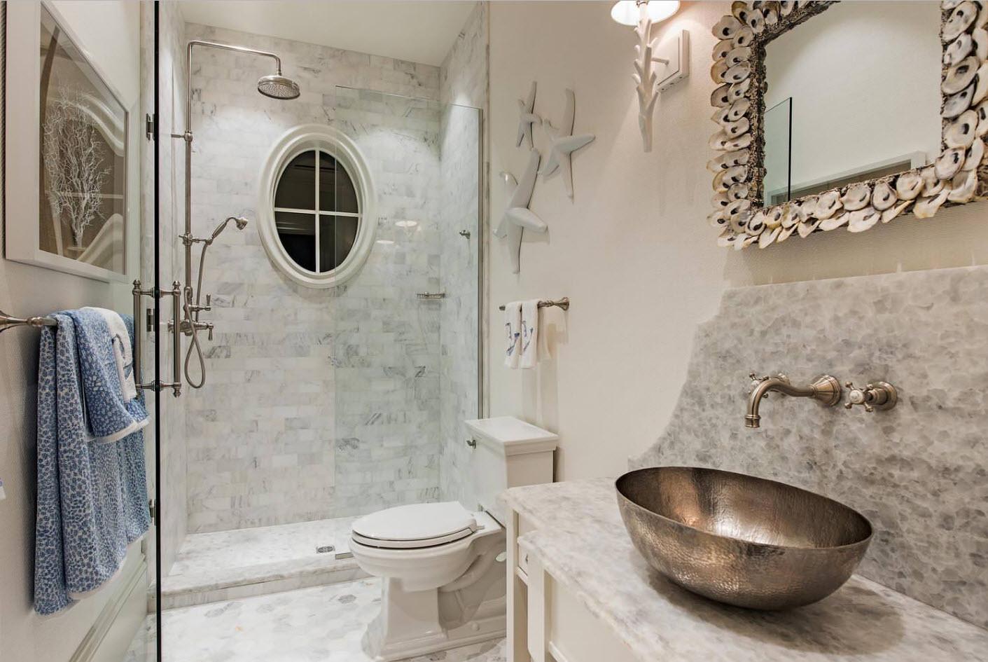 douche dans la salle de bain