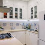 Dulapuri moderne cu șorțuri din șorțuri de bucătărie de pe al treilea nivel