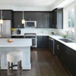 Căști cu aspect în bucătărie moderne în formă de L