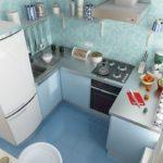 Bucătărie modernă într-o zonă mică