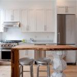Masă de luat masa originală din bucătărie modernă