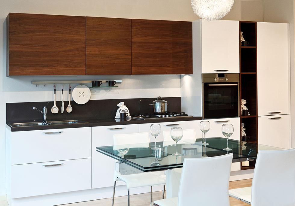 Dulapuri moderne de bucătărie în diferite culori