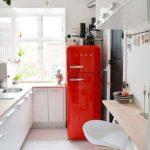 Bucătărie modernă într-un spațiu îngust