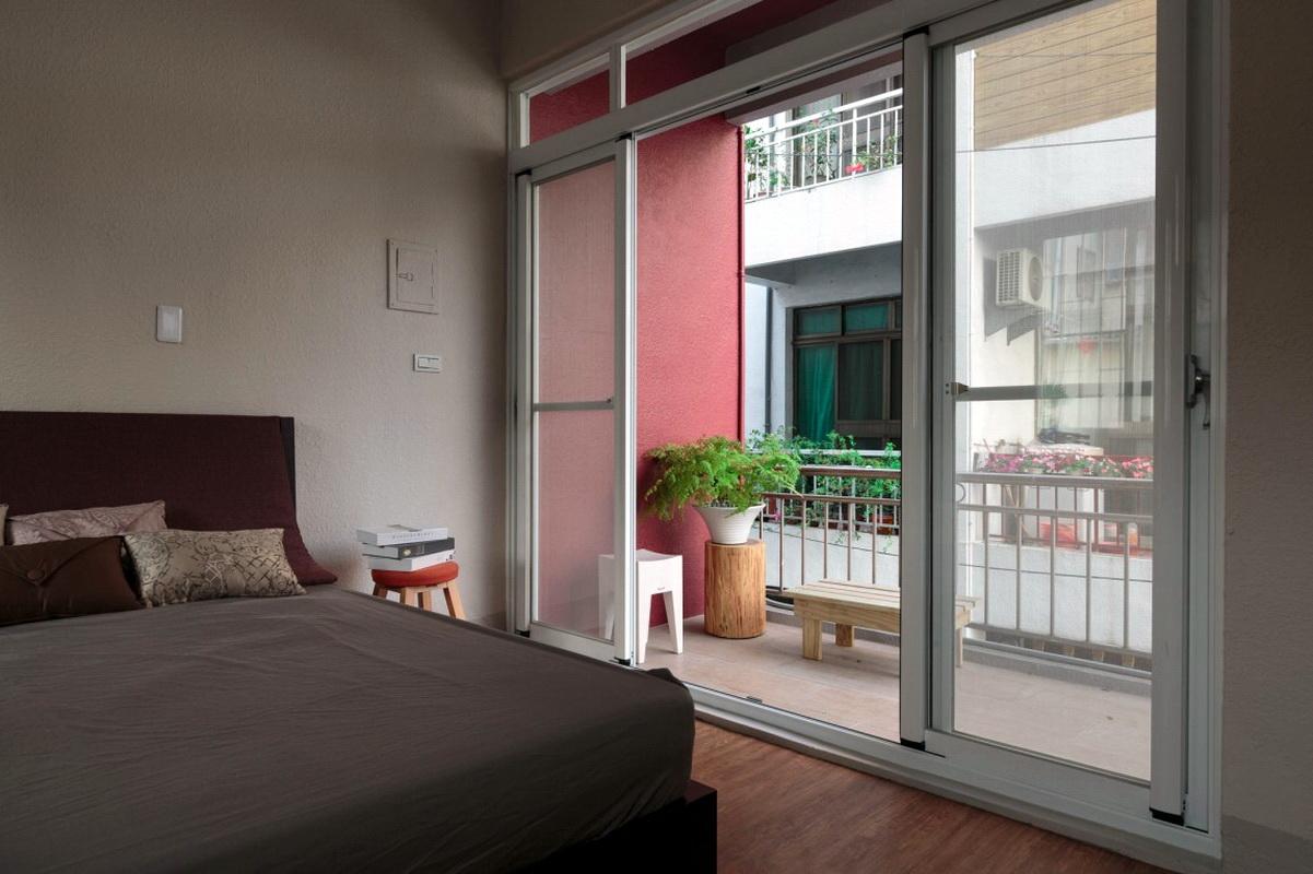 chambre combinée avec balcon ouvert