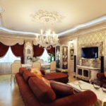 Trang trí phòng khách theo phong cách cổ điển với TV trong baguette