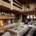 Phòng khách kiểu nhà gỗ với ván gỗ và đồ gỗ