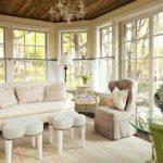 một ví dụ về phong cách khiêu khích tươi sáng trong bức tranh phòng khách