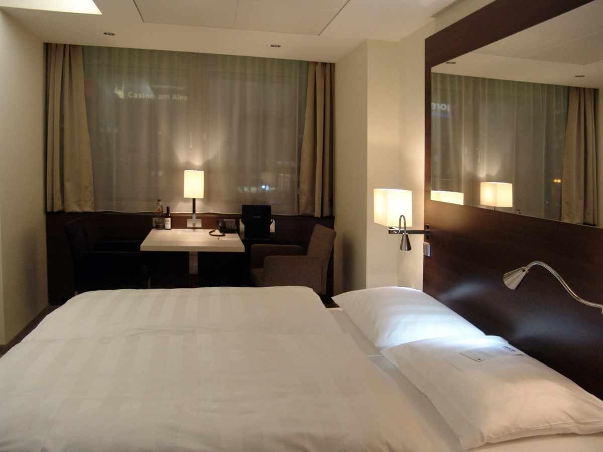 l'idée d'une chambre étroite de style léger