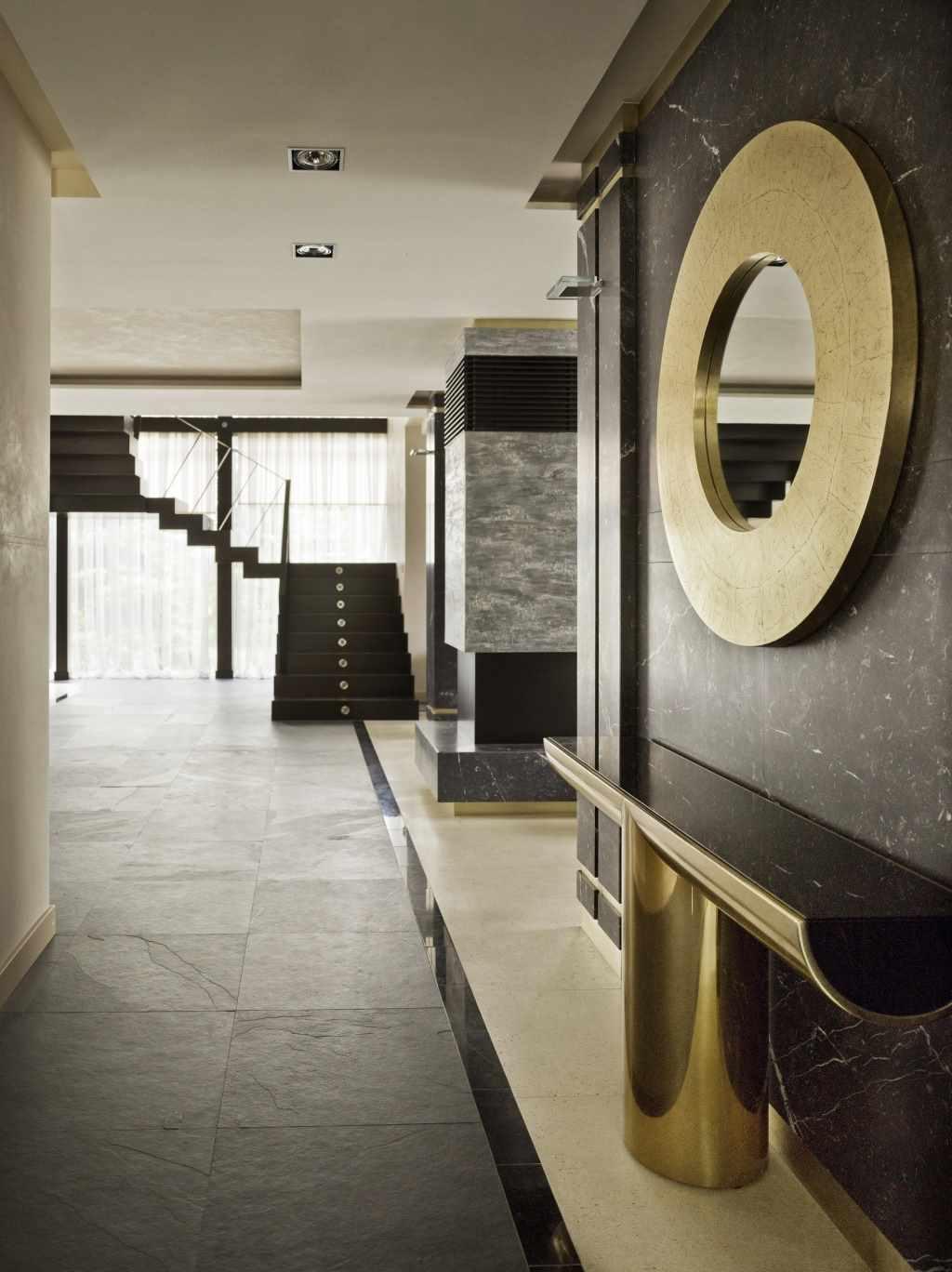 idée d'un décor clair d'un couloir dans une maison privée