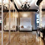 idée d'un bel intérieur d'un couloir d'une chambre dans une maison privée photo