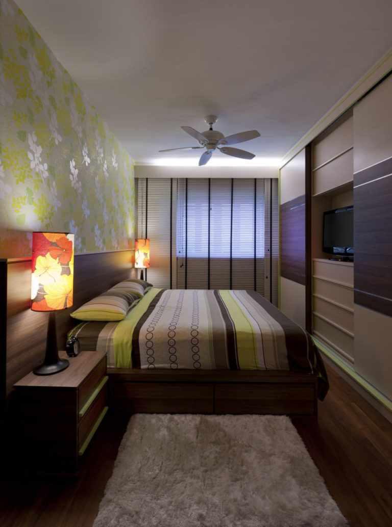 l'idée d'un décor lumineux d'une chambre étroite
