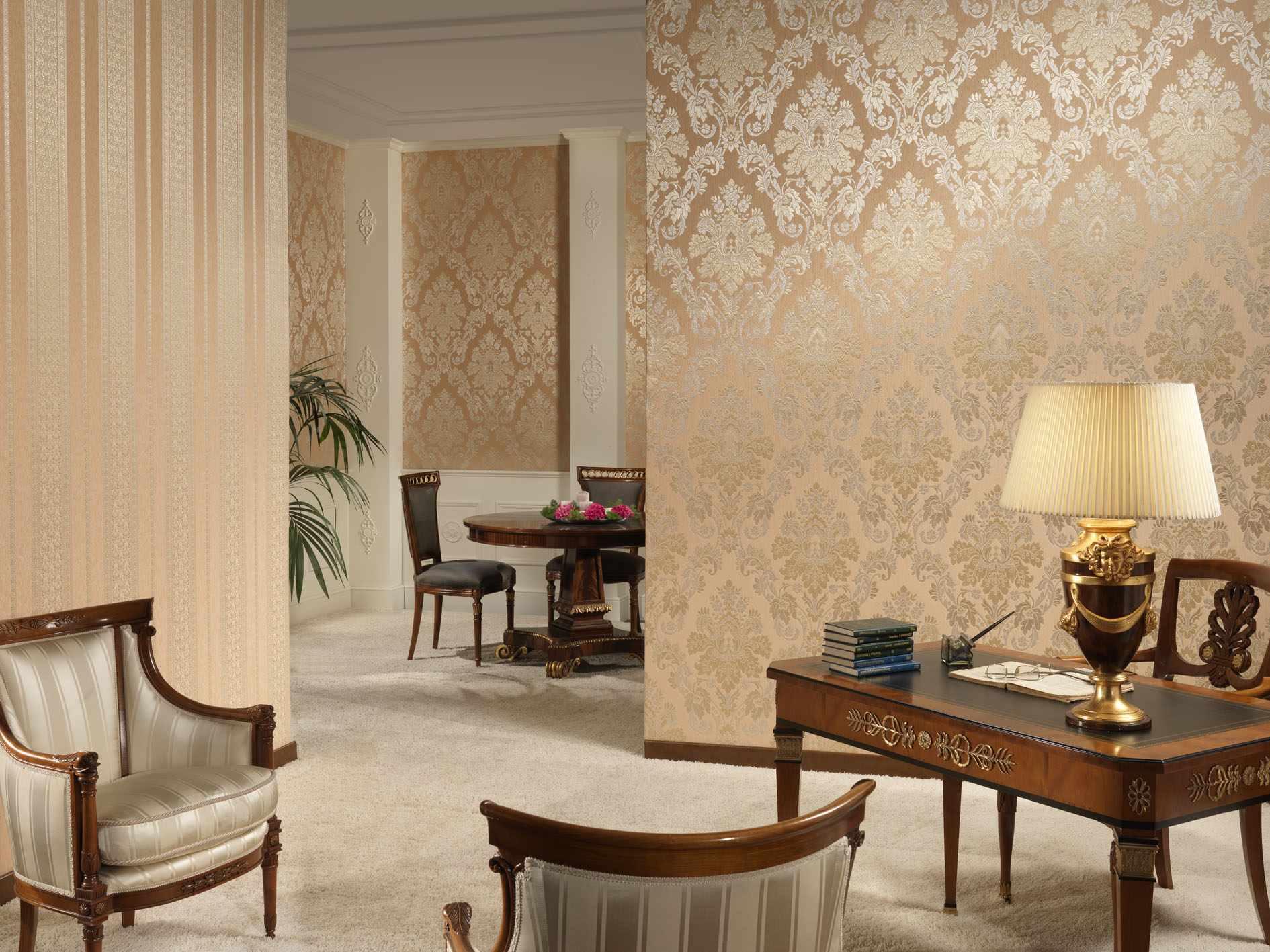 l'idée d'un beau décor de papier peint pour le salon