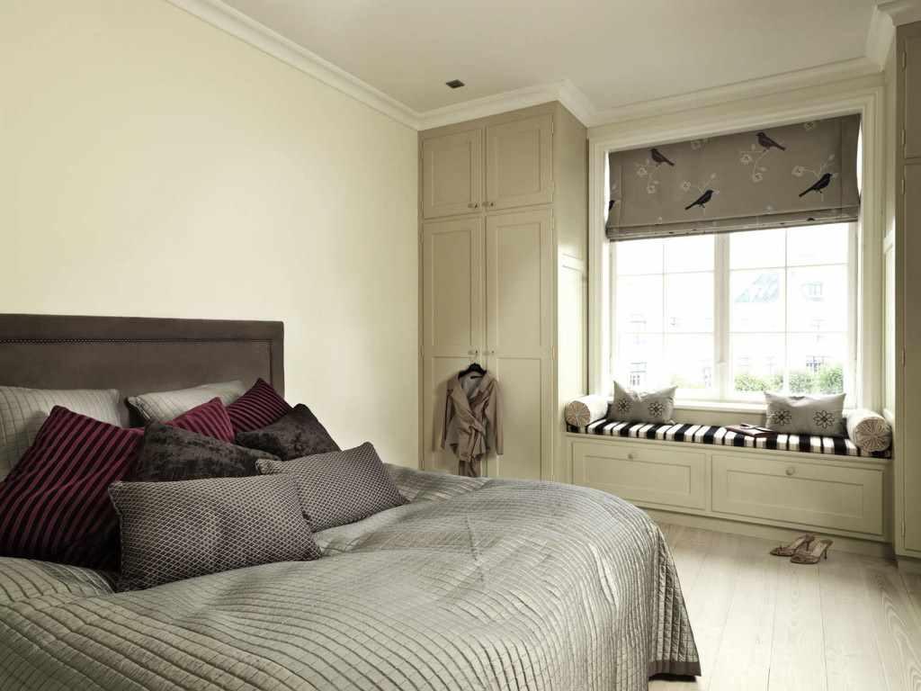 un exemple d'un beau décor de chambre à coucher