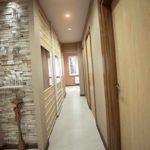 exemple d'un bel intérieur d'un hall d'entrée dans une maison privée photo