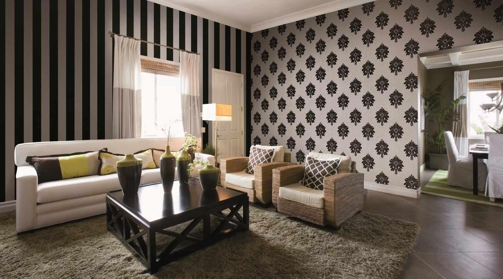 Un exemple d'un design lumineux de papier peint pour le salon