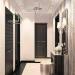 Un exemple d'un couloir de style léger dans une maison privée photo