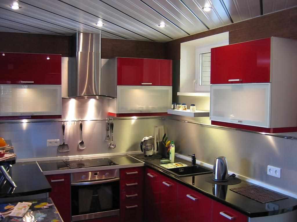 ideea unui frumos design de bucătărie roșie