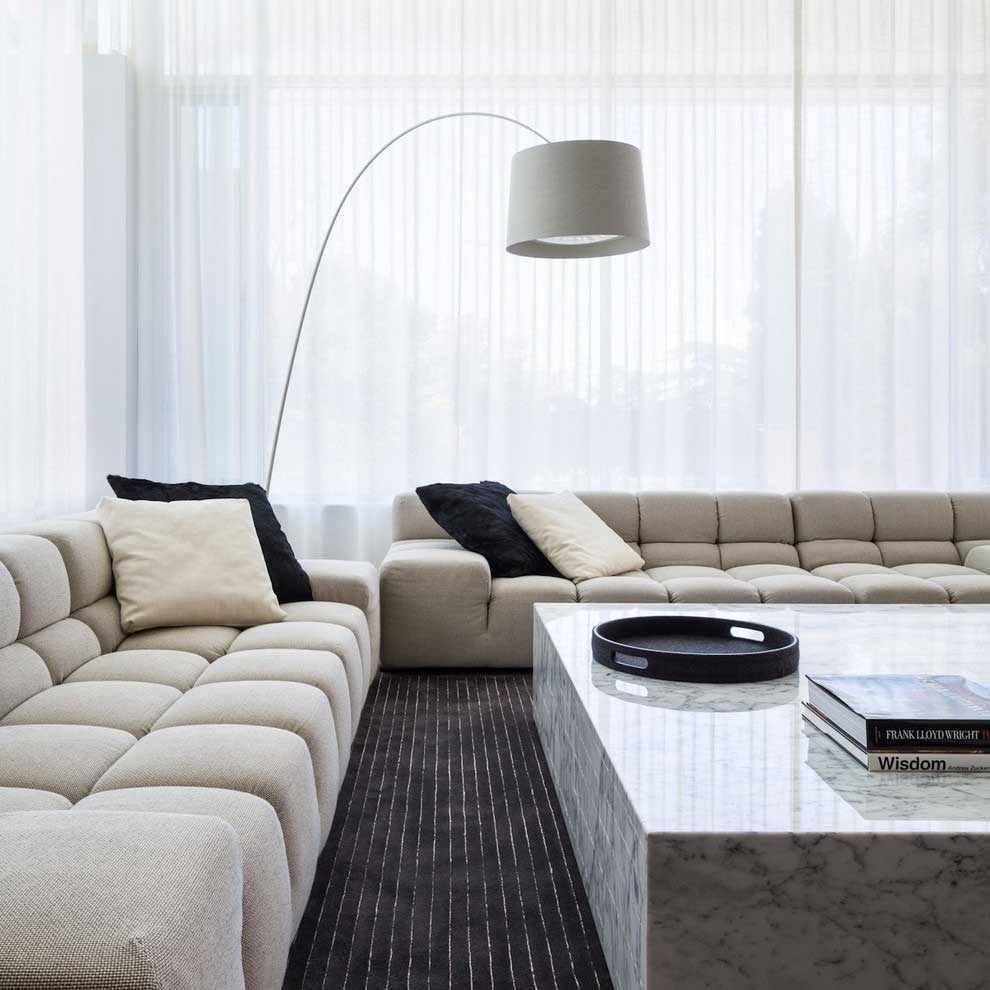 lựa chọn sử dụng nội thất khác thường của phòng khách theo phong cách tối giản
