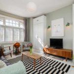 variante de conception lumineuse d'un salon 16 m² photo