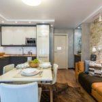 exemple d'un bel intérieur d'un salon photo de 25 m²