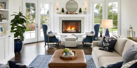 l'idée d'utiliser un salon lumineux avec cheminée