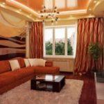 Một ví dụ về thiết kế sáng sủa của phòng khách 19-20 m2.