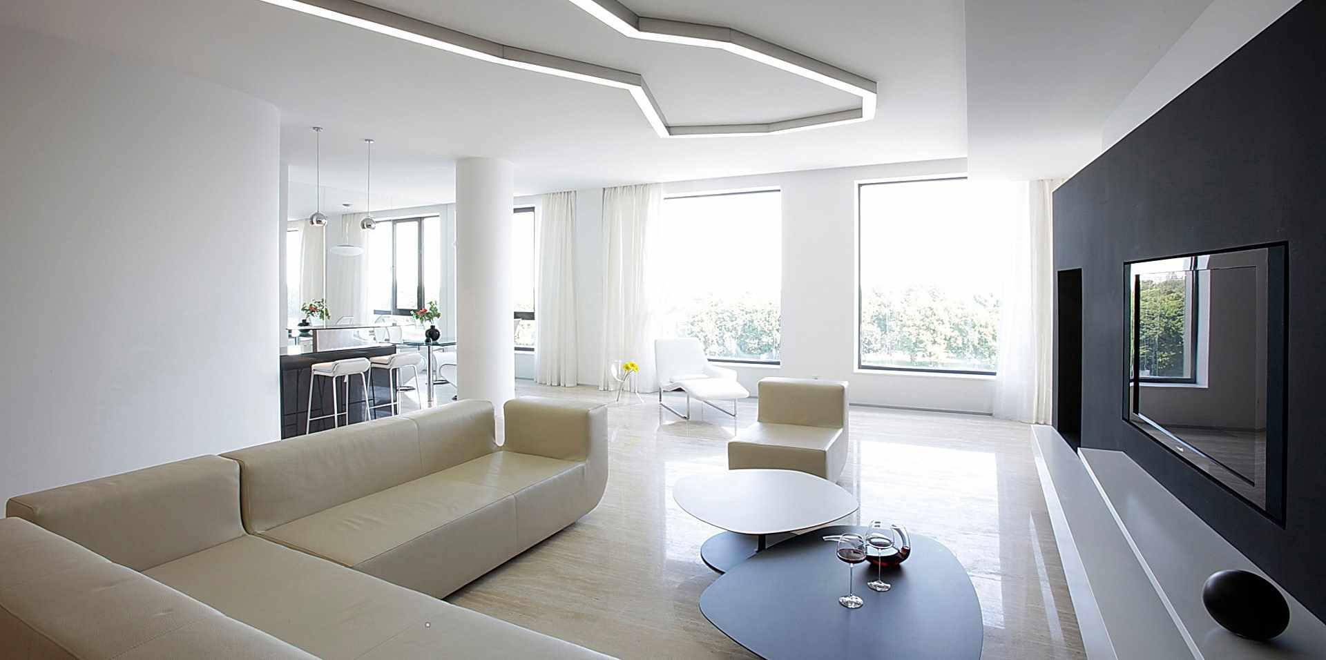 một ví dụ về việc áp dụng trang trí tươi sáng của phòng khách theo phong cách tối giản