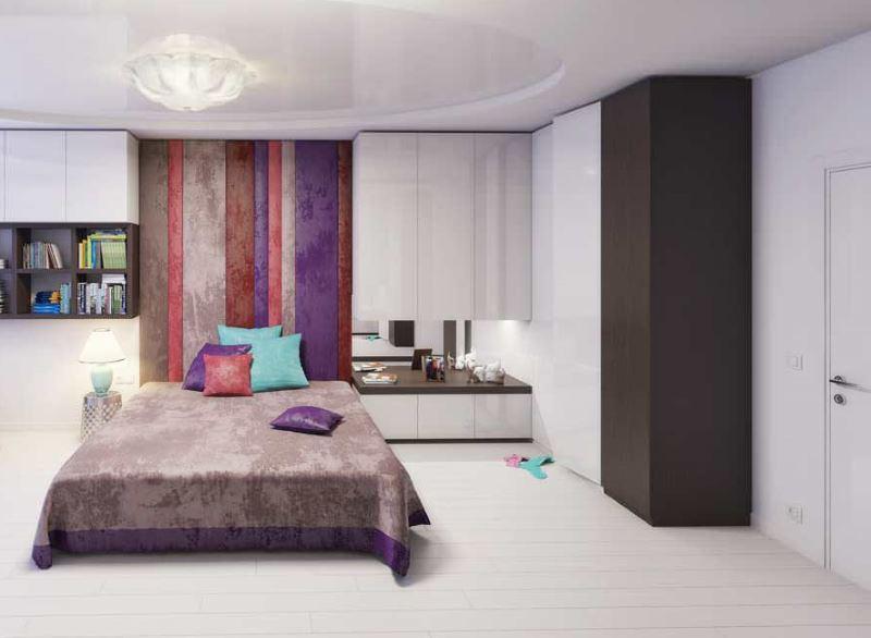 Aménagement d'une aire de loisirs dans la chambre d'une fille moderne