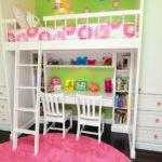 Un lieu de créativité dans la chambre des filles