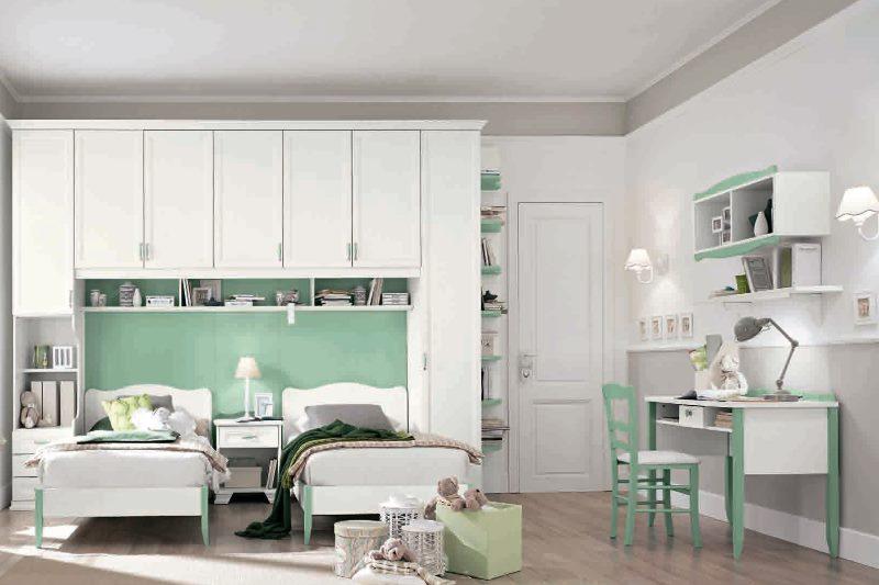 Design minimaliste d'une chambre d'enfant