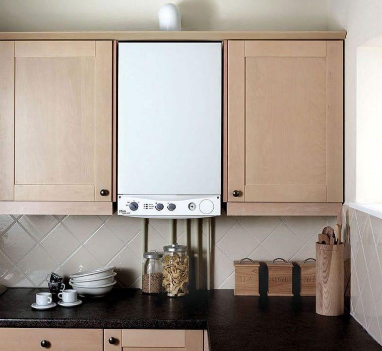 Design bucătărie cu coloană de gaz deschis