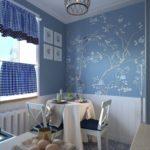 Tapet cu ornamente florale în designul zonei de luat masa a bucătăriei
