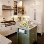 Mică insulă de bucătărie cu sertare