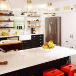Iluminare luminoasă a spațiului bucătăriei