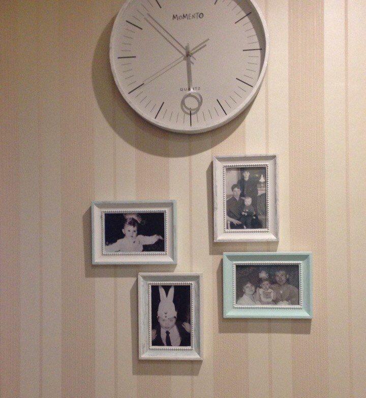 Décoration avec photos du mur dans le couloir de Khrouchtchev