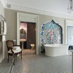 Salle de bain chic de style oriental