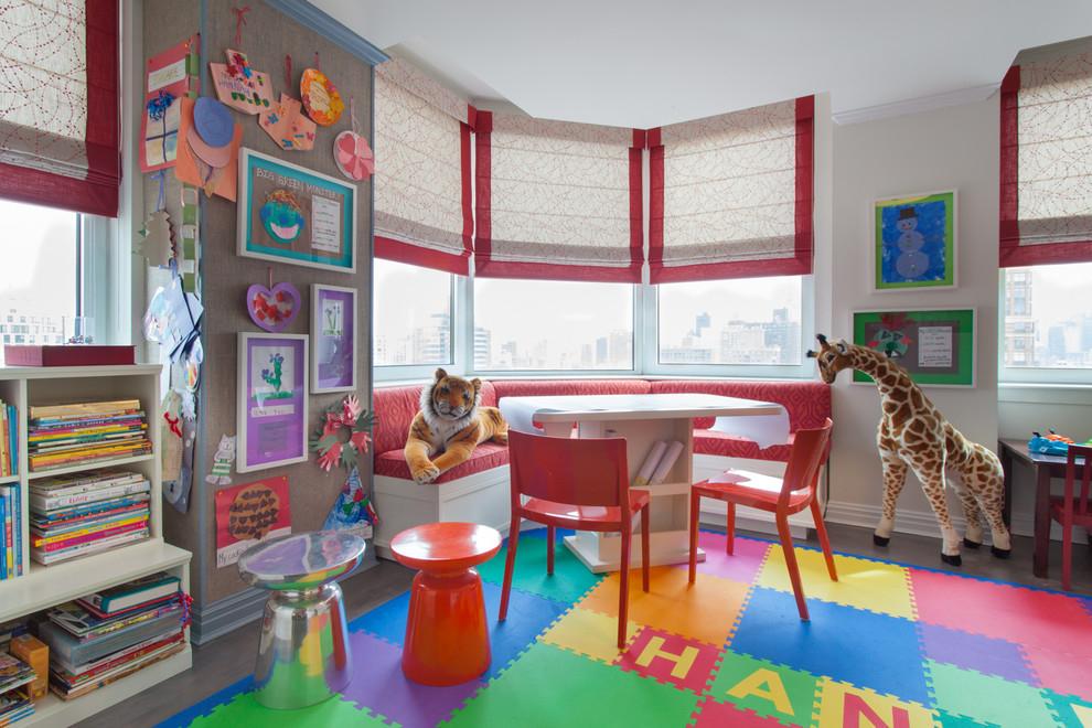 Décoration de la chambre pour deux enfants dans une baie vitrée